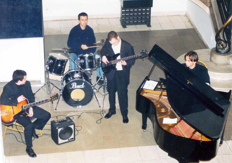 band_v